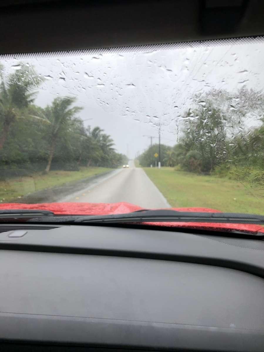 慰安旅行 グアム 台風