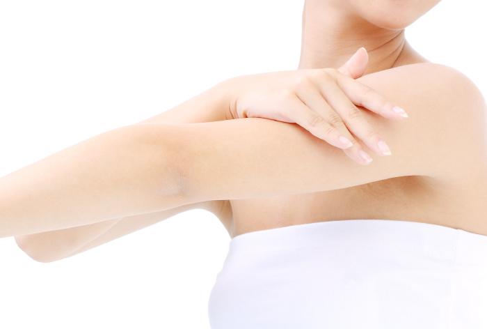 美肌 スキンケア 二の腕 毛孔性苔癬